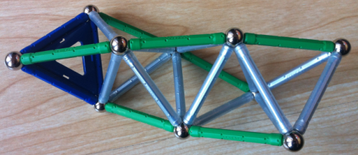 Tetrahedra helix with seven elements